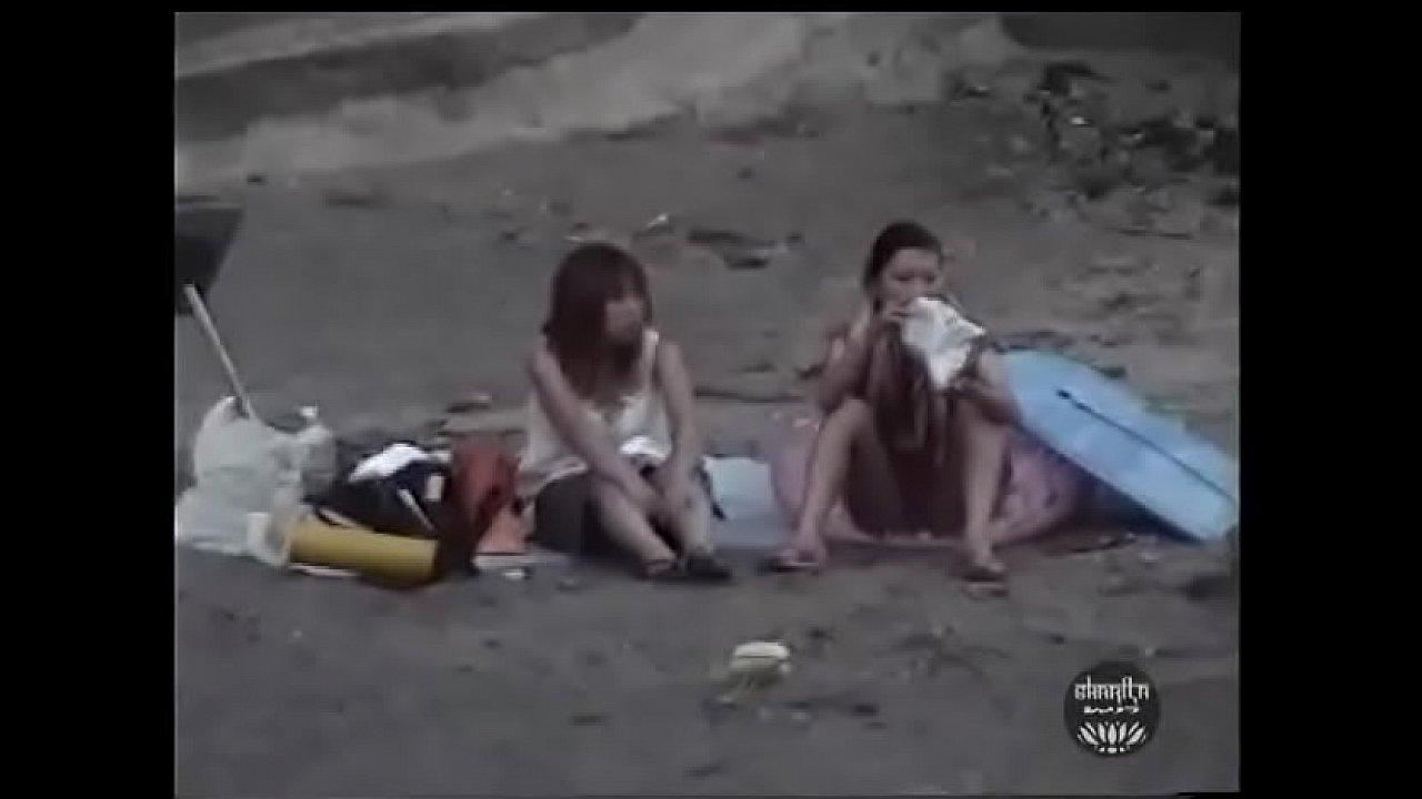 素人を浜辺でレイプ